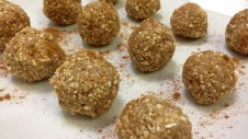 Cinnamon Maple Protein Balls Finished